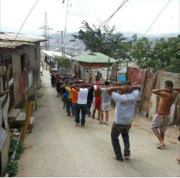 zd. Las razias en barrios