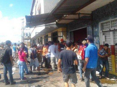 zg. Saqueos en San Félix. Un muerto y 27 detenidos