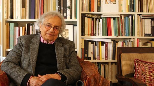 Alí Ahmad Said Esber en su apartamento en París